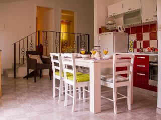 Ap.DALIA-Estate under the Paintbrush, Rukavac, Vis Island - Vis vacation rentals