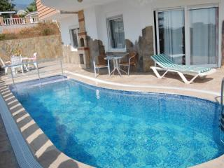 Castle View Villa & pool Beach/Shops/Bar 5/10 mins - Kargicak vacation rentals