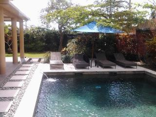 Three Bedroom villa in central Canggu - Villa Sarah Jaya - Canggu vacation rentals