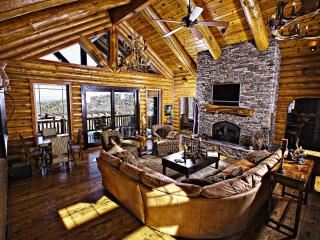 5-Star Luxury Estate Near 3 Ntl Parks, FREE NT! - Hatch vacation rentals