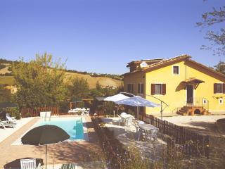 Your vacation in Villa with pool - San Ginesio vacation rentals