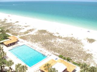 Beach Front Studio Penthouse loft - Clearwater vacation rentals