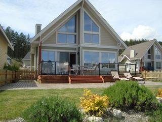 Okanagan Lakeside Cottage with Spectacular view - Kelowna vacation rentals