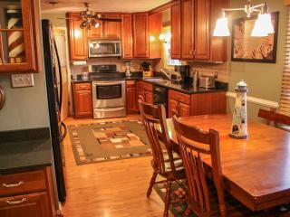 Waterfront Home With Guest Suite & Pool Access - Virginia Beach vacation rentals