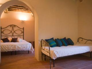 Galileo apt, in Siena country, Brenna village - Brenna vacation rentals