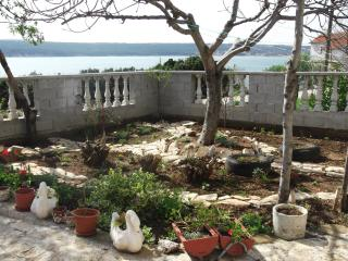 Perfect 1 bedroom Condo in Gornji Karin - Gornji Karin vacation rentals