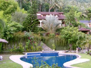SUNSET VILLA , Luxury villa with pool , SENGGIGI - Lombok vacation rentals