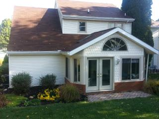 "Lititz,PA  Serenity Cottage, ""Coolest Small Town"" - Adamstown vacation rentals"
