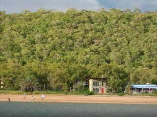 Comfortable 2 bedroom Cottage in Magnetic Island - Magnetic Island vacation rentals