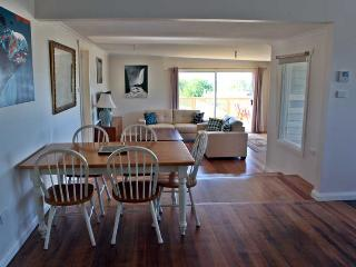 SeaView house is a gorgeous, upmarket, 4 bedroom, 2 bathroom property located in the lovely seaside town of Ulverstone - Hawley Beach vacation rentals