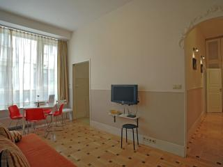 CAFF InnerCity 3bdr 2bth 10beds (H) - Budapest & Central Danube Region vacation rentals