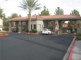5 miles to strip! Luxury Condo Red Rock pool gym - Las Vegas vacation rentals
