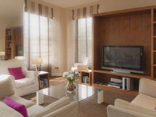 SOUTH CHARLOTTE STREET, Charlotte Street, Edinburgh, Scotland - - Edinburgh & Lothians vacation rentals