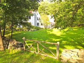 WOODSTOCK 4BED FOR CITY-FOLK  ALL AMENITIES LUXURY - Hudson Valley vacation rentals