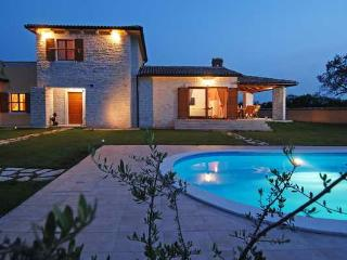 CASA TIA - beautiful stone house among olive trees - Istria vacation rentals