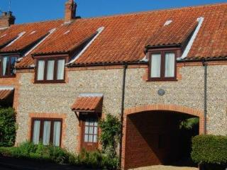 Comfortable Cottage in Ringstead with Internet Access, sleeps 5 - Ringstead vacation rentals