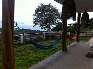 Surf, party and relax in Montañita - Entrada vacation rentals