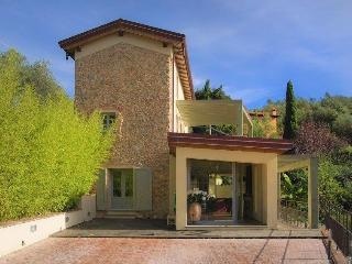 Villa Puccini vacation holiday villa rental italy, tuscany, near florence, near coast, forte dei marmi, pool, air conditioning,  - Pietrasanta vacation rentals