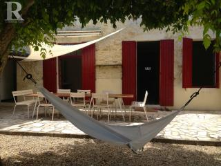 Stylish House with Pool, Médoc Vineyards & Ocean - Begadan vacation rentals