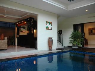 LEGIAN - 3 Bedroom + 3 Bath - Breakfast daily -ged - Legian vacation rentals
