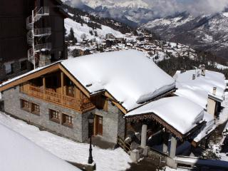 Luxury Chalet in Courchevel 2 min walk to Ski Lift - Saint-Martin-de-Belleville vacation rentals