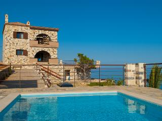 Luxury Villas in Crete - Santorini vacation rentals