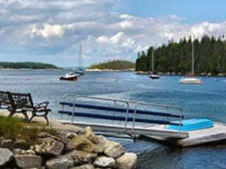 #59 Seafarers Cottage + Guest House, Hubbards  NS - World vacation rentals