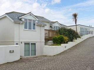 BEACHCOMBERS, detached cottage, with shared use of swimming pool, sauna, gym, near Newquay, Ref. 903500 - Newquay vacation rentals