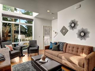 Fremont Jet City Townhome - Seattle Metro Area vacation rentals
