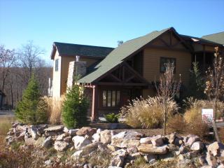 Gorgeous rental at Big Boulder Lake and Ski Mtn - Lake Harmony vacation rentals