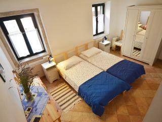 Bright House in Rovinj with A/C, sleeps 4 - Rovinj vacation rentals