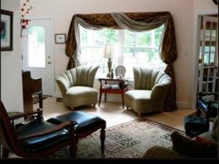 Serenity Villa in Warm Springs Virginia - Warm Springs vacation rentals