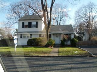 4 Bedroom house for swap in August - Cresskill vacation rentals