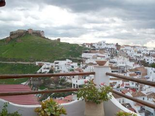 Townhouse with amazing views of Moorish Castle - Alora vacation rentals
