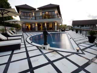 Royalty King, Luxury 6 Bedroom Villa, Car + Driver, Jimbaran - Jimbaran vacation rentals