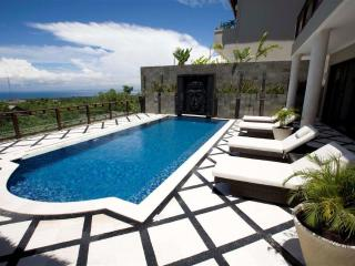 Royalty Queen Villa 6BR, car + driver, Jimbaran - Jimbaran vacation rentals