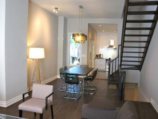 Posh On The Park Downtown Toronto Little Italy - Toronto vacation rentals