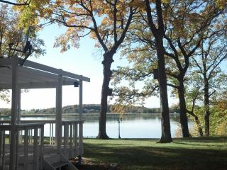 ***Moon Song Vacation Cottage on Spring Lake*** - Prior Lake vacation rentals