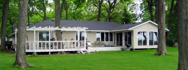 Moon Song Cottage on Beautiful Spring Lake! - Prior Lake vacation rentals