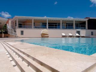 Combination of Luxury and Relaxation - Orient Bay vacation rentals