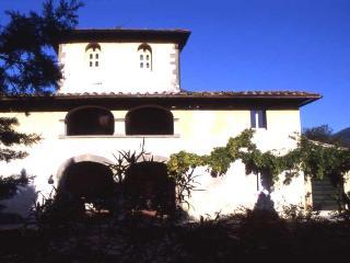 La Lorensia Farmhouse - Pontassieve vacation rentals