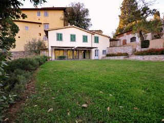 Country suite Daphne - Fiesole vacation rentals