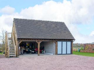 THE ACORN LOFT, welcoming apartment in great touring location, Northwood Ref 903772 - Welshampton vacation rentals