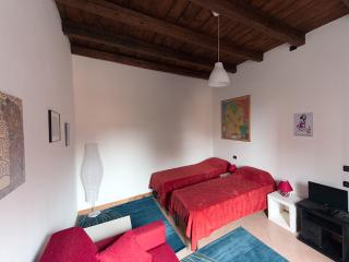 Nice and Comfortable flat in Bologna - Bologna vacation rentals