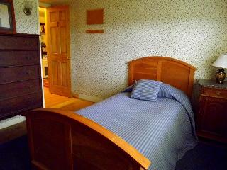 Convenient 1 bedroom Machias Cottage with Internet Access - Machias vacation rentals