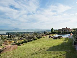 Charming 8 bedroom Villa in Tuoro sul Trasimeno - Tuoro sul Trasimeno vacation rentals