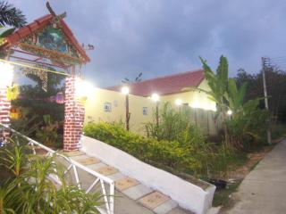 Perfect 9 bedroom Bed and Breakfast in Sakhu - Sakhu vacation rentals