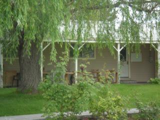 Country Home for families or small groups - Meridian vacation rentals