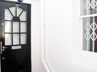 The Chalet Apartment - London vacation rentals