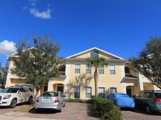 Gated 4 Br/3 Ba, 6 miles to Disney, private Jacuzzi, Free WiFi/Cable TV - Kissimmee vacation rentals